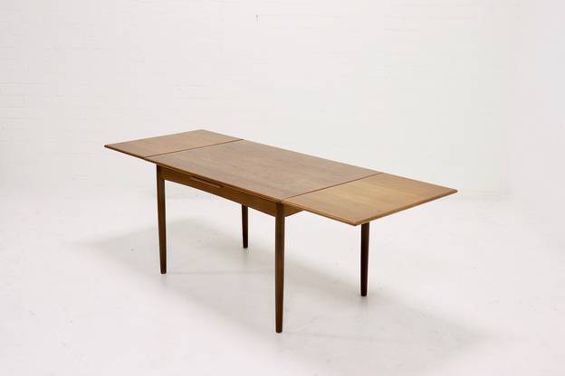 Mid-Century Extendable Teak Farstrup dining table, 1960s