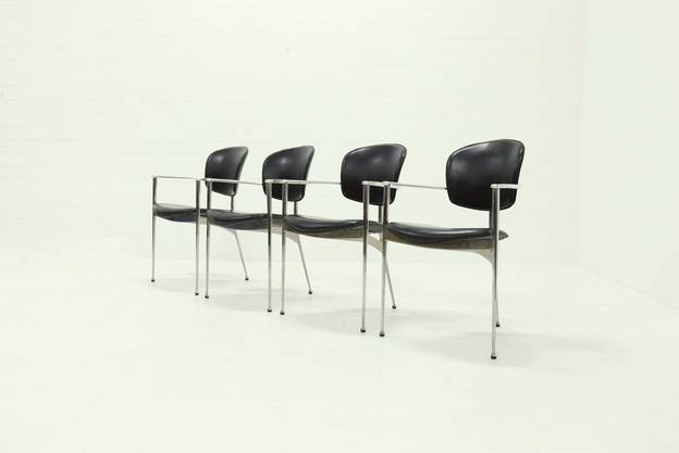 Set of 4 Andrea dining chairs by Josep LLusca for Andreu World 1980s