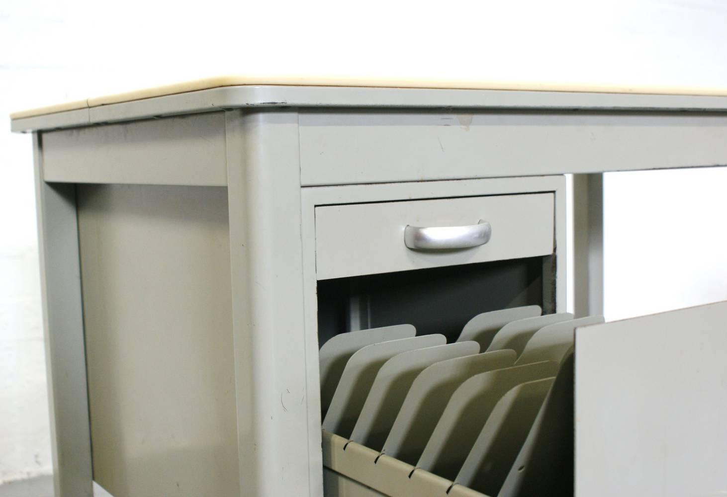 Industrieel stalen bureau vintage a r cordemeijer gispen kleurodesk jaren 50 - Bureau vintage industriel ...
