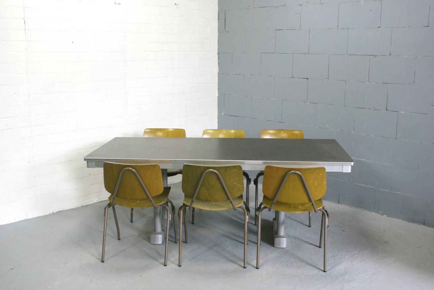 Catalogus for Retro tafel