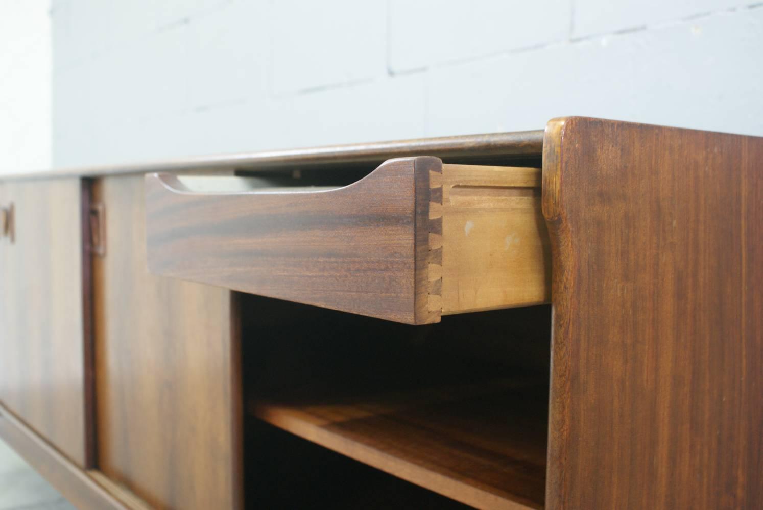 Retro credenza for Dressoir design