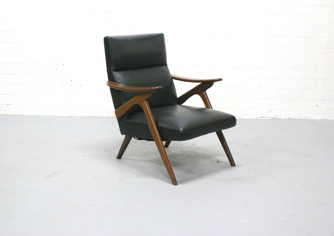 Pin ceramics on pinterest - Fauteuil vintage cuir ...